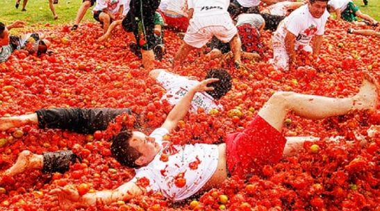 How splendid is La Tomatino Festival in spain